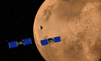 Artist's impression of the two Mars Cube nanosatellites flying in formation behind InSight (© NASA/JPL).